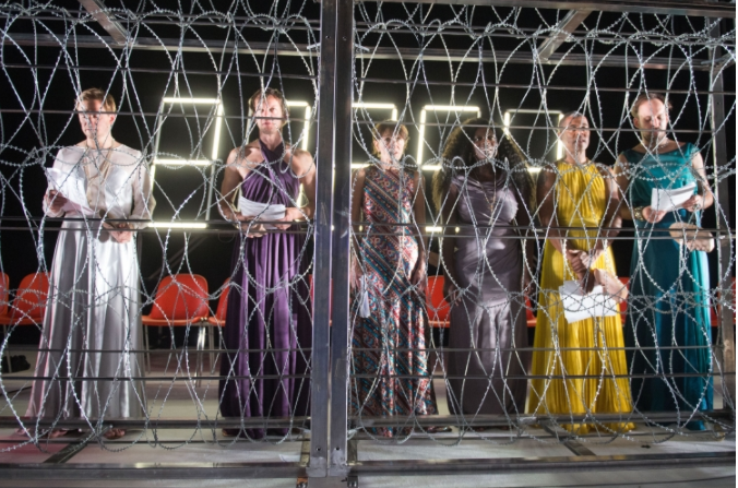 Les Suppliants, Elfriede Jelinek, mise en scène Nicolas Stemann au Théâtre de Hambourg