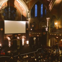 Just call me god , John Malkovich, Union Chapel, du grand art.