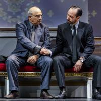 Oslo de J.T Rogers, mise en scène de Bartlett Sher au National Theatre, palpitant et captivant.