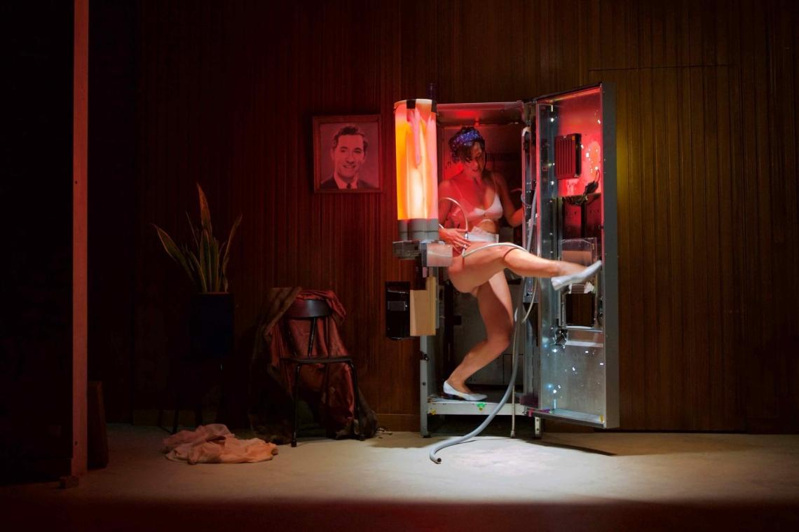 Moeder, Peeping Tom (c) Herman Sorgeloos