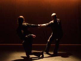 fc-duet-dana-fouras-russell-maliphant-rock-pull_1000