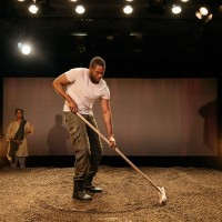 An adventure, de Vinay Patel mes Madani Younis, Bush theatre